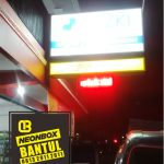 Neon Box apotek murah di Bantul