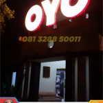 letter timbul akrilik oyo rooms demak