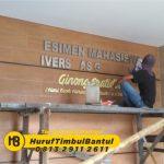 Jasa Huruf Timbul stainless kampus di Bantul