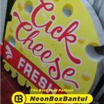 Neon Box resto warung murah di Bantul